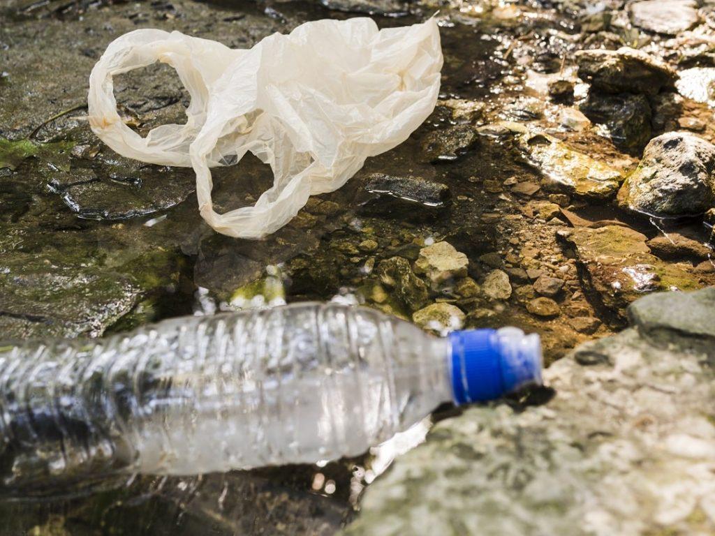 minimizes-the-amount-of-garbage-in-landfills